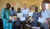Die Einweihungsfeier wurde auch genutzt, um Briefe von SchülerInnen aus Steckenborn vorzulesen. Diese Schule in der Eifel und ihre Lehrer und Eltern unterstützen seit Jahren die Schule in Boro.