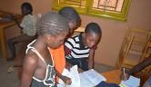 Die Mädchen sind mit der Schule recht ausgelastet, dazu kommen Hausaufgaben und für manche auch Förderunterricht.