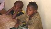 Wie viel leichter hätten es diese Kinder,wenn sie in ihrer Muttersprache unterrichtet würden.