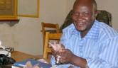 Schatzmeister Mamoudou Tapily freut sich, dass Geld in die Kasse kommt, auch wenn es gleich wieder in Umlauf geht.