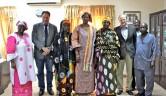 V.l.n.r.: Eine MItarbeiterin der Ministerin, Dr. Johannes Lichius, eine weitere Mitarbeiterin, Ministerin, Frau Traoré aus Siokoro, Gunthard Weber, Youshaou Traoré, Mamoudou Tapily