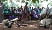Traditionelle Tänze zur Begrüßung.