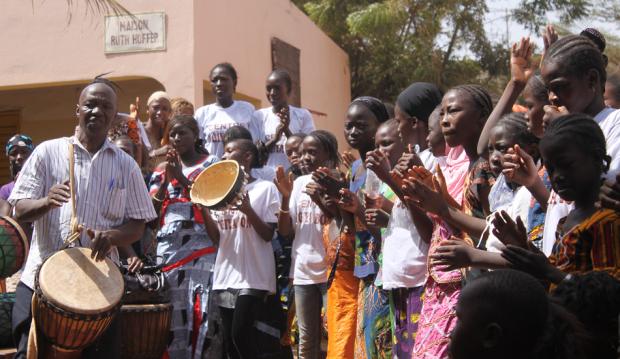 Am 8. November feierten wir in Bamako das 10-jährige Bestehen des Mädchenzentrums Jigiya Bon