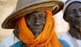 Ein Dorfältester von Boro mit einem typischen Hut der Fulbe.